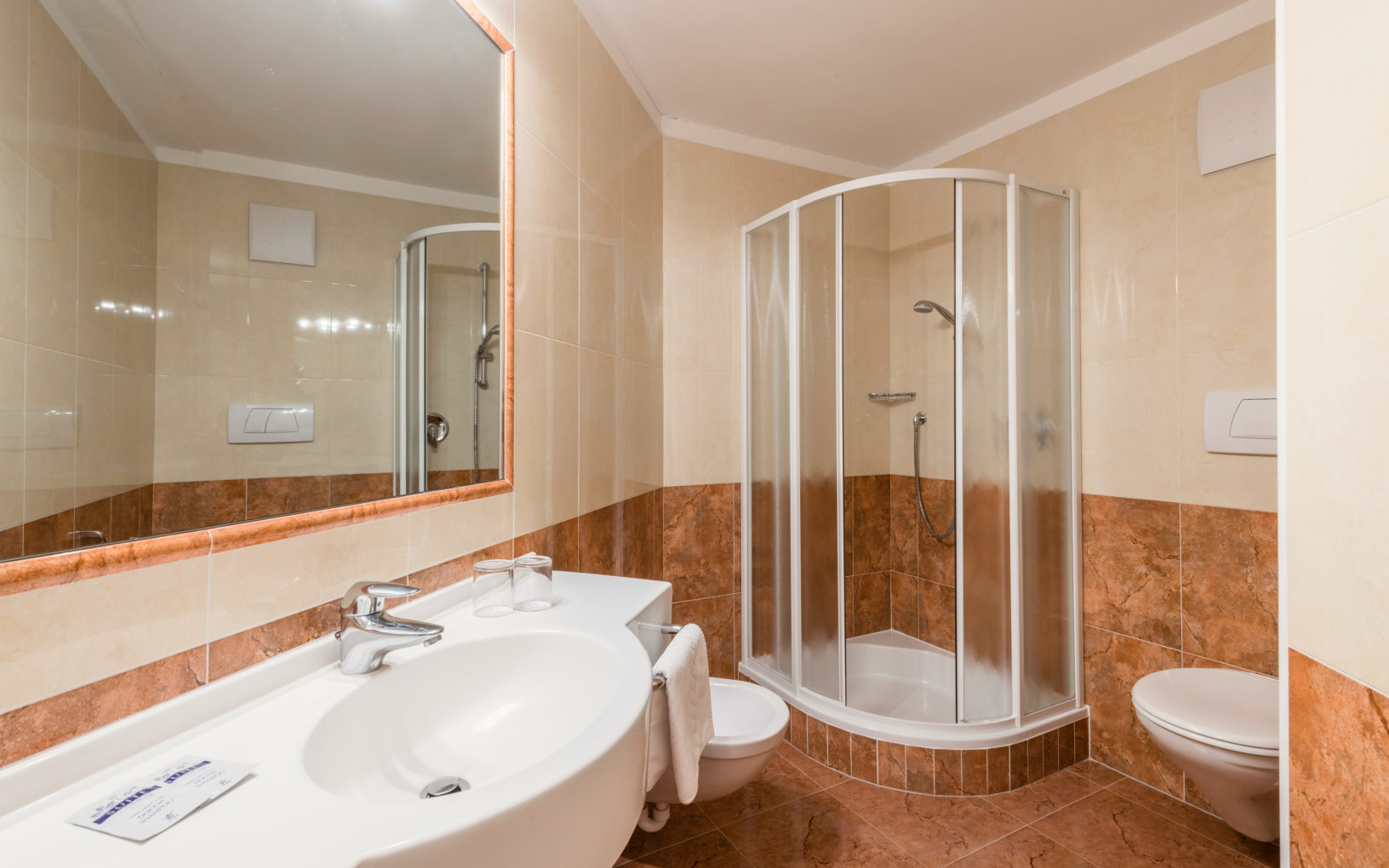 ... Separate Bedroom And Living Room With Snug Sitting Area And Pull Out  Sofa Bed, WLAN, 2 SAT TVs, Phone, Radio And Safe. Spacious Bathroom With  Shower/WC, ...